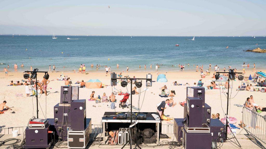 Direction dans les pays où se tiennent les festivals de plage !